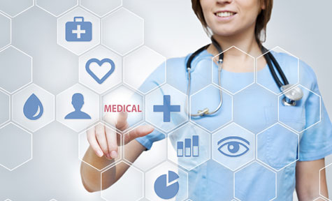 Three Ways to Use Big Data in Healthcare - A doctor using a touchscreen