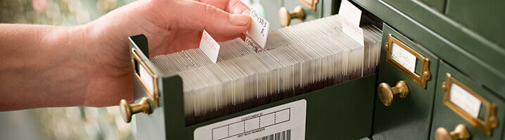 industry specific storage - Viewing Pathology Slide In Barcoded Drawer